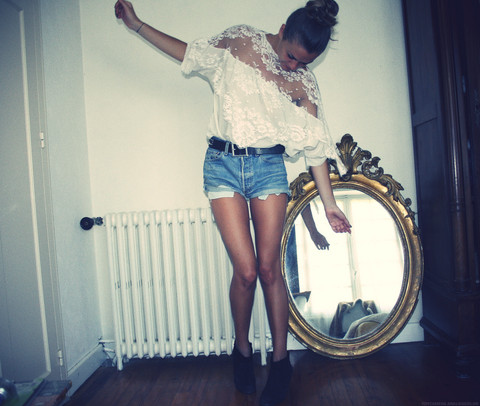 Fashion-girl-photography-shorts-skinny-favim.com-126210_large
