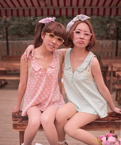 Japanese fashion trend fake lens-less glasses