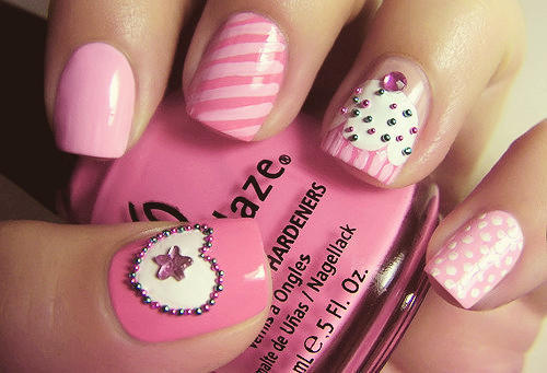 Cute_pink_nails_large
