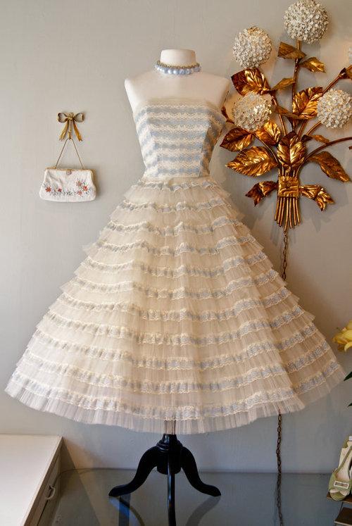 Vintage 1950 39s Ivory Lace Cupcake Wedding Dress by xtabayvintage