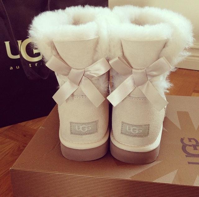 ugg boots at bank fashion