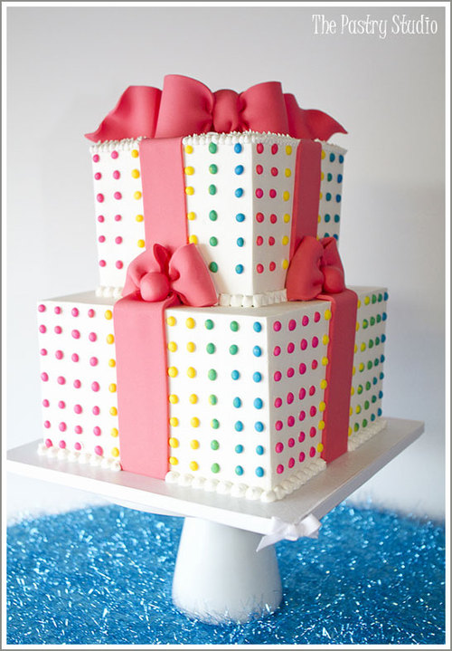 Candy_button_cake_large