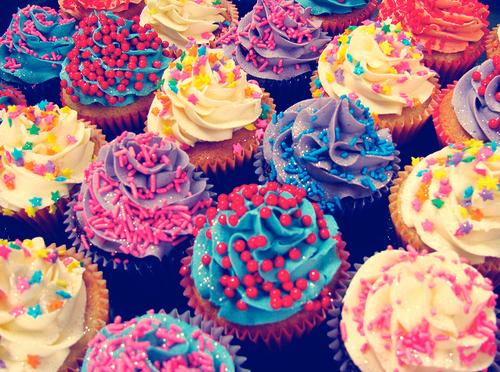 Cake-color-colorful-cupcake-fashion-favim.com-129039_large