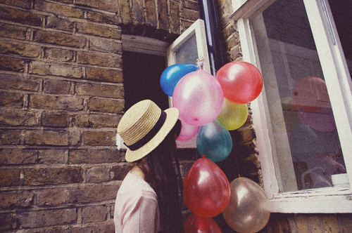 Baloons-brunette-colorful-colors-cute-favim.com-129577_large