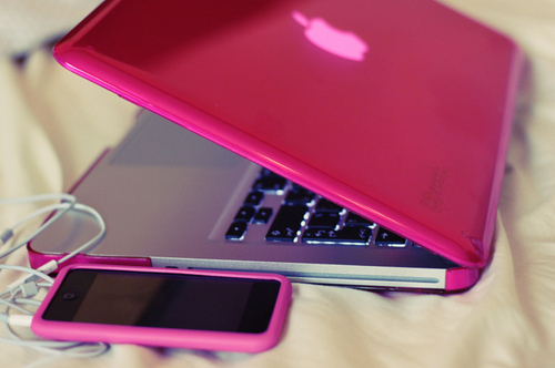 Apple-colorful-cute-ipod-laptop-favim.com-132537_large