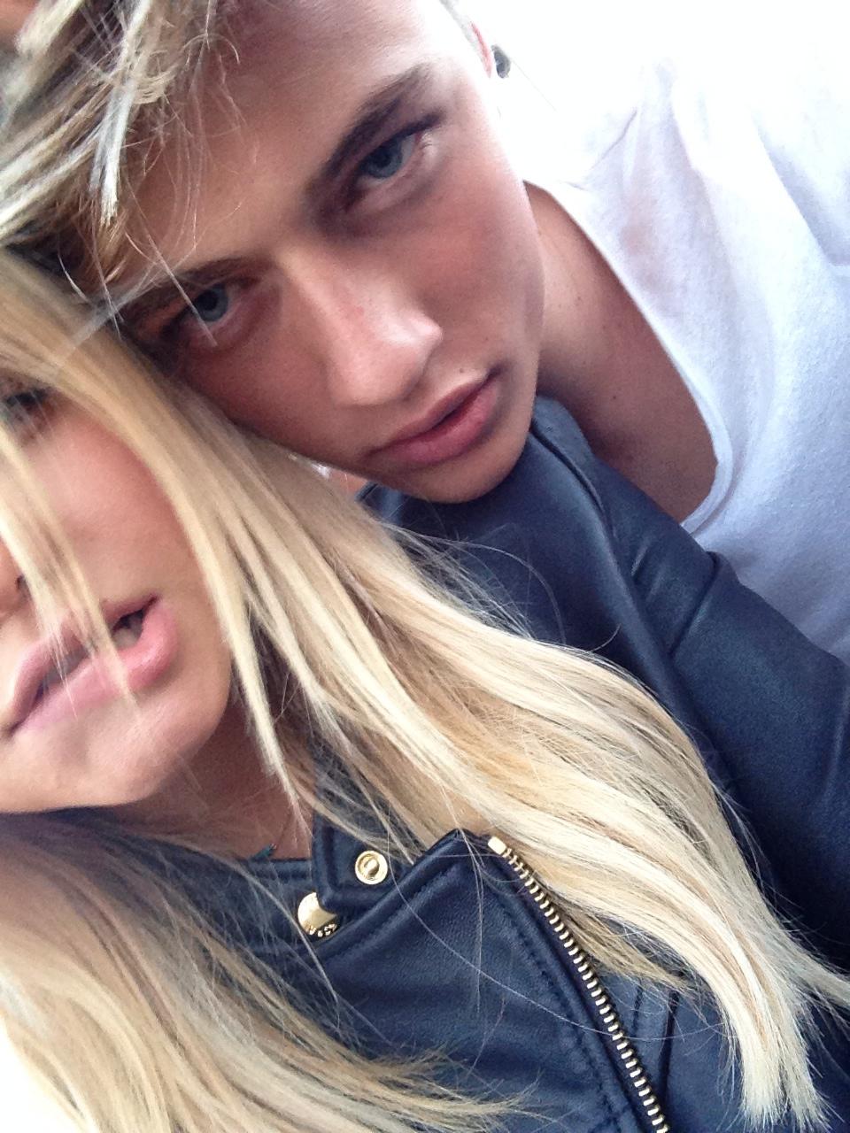 блондинки с парнями