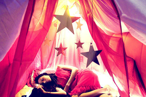 Curtains-girl-pink-stars-favim.com-132771_large