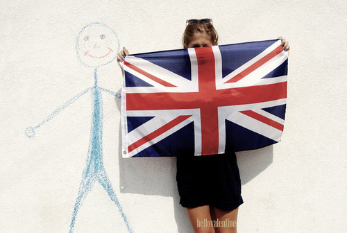 Szimi_and_england_flag_by_hellovalentine-d48c0at_large