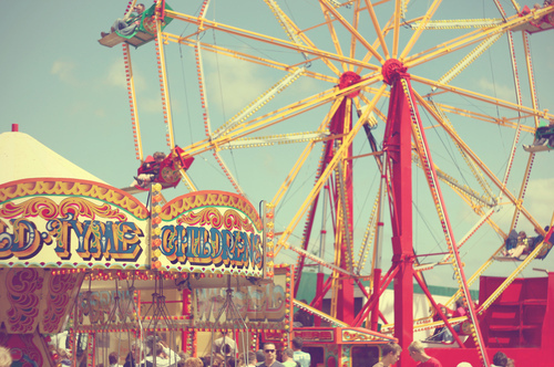 Amusement-park-carnival-ferris-wheel-merry-go-round-photography-favim.com-134709_large