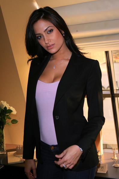 Donna+Feldman+Stuart+Weitzman+Luxury+Suite+Xp7yJYl00Lel large Tamara Feldman Donna Also try: donna feldman | donna feldman kiss | tamara ...