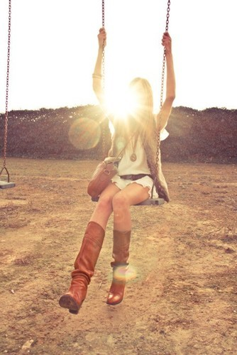 California,cute,photo,girl,light,swing-72ae59735a11b5a264ad453df51de59e_h_large