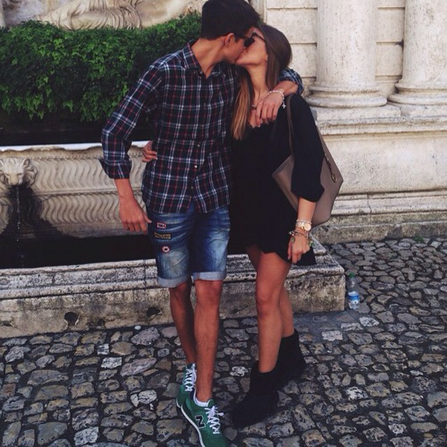 Фото ног девушки и парня 7 фотография