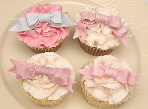 Bows-cupcakes-cute-food-i-want-favim.com-140522_large