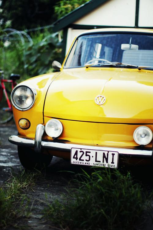 Carro-retro-amarelo_large