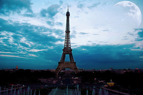 Eiffel-tower-fashion-france-girl-paris-favim.com-141708_large