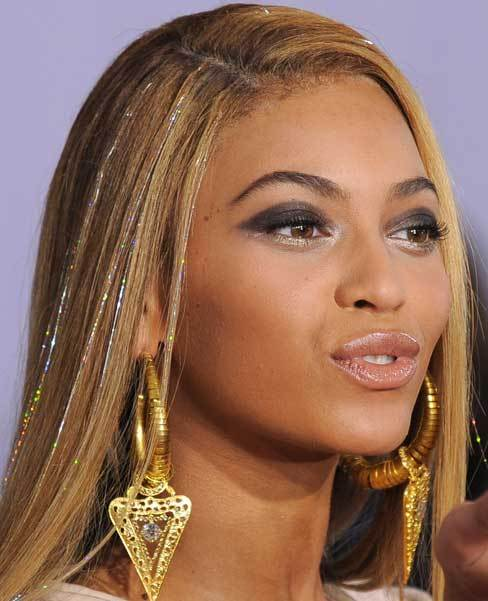 Beyonce_hair_tinsels_hair_bling_large