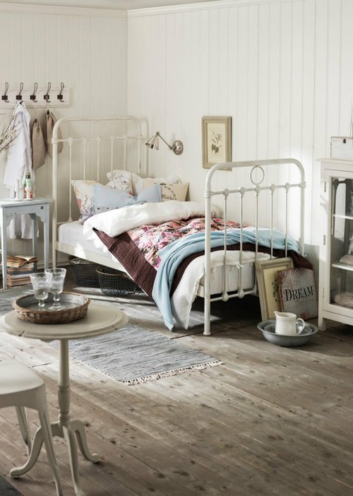 home decor inspiration / cottage bedroom