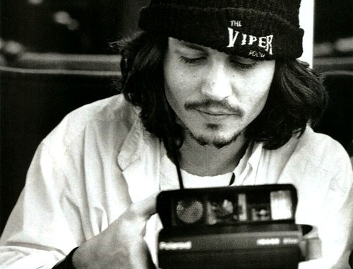 Black-and-white-camera-johnny-depp-polaroid-favim.com-138832_large