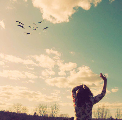 Birds-girl-nature-sky-sunlight-favim.com-145743_large