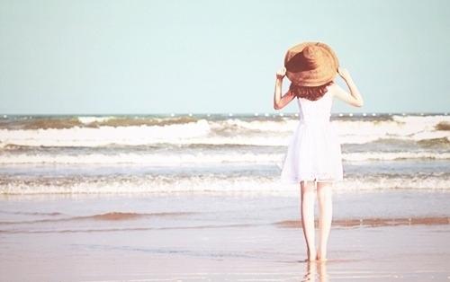 Beach-beautiful-cute-dress-hat-favim.com-145861_large