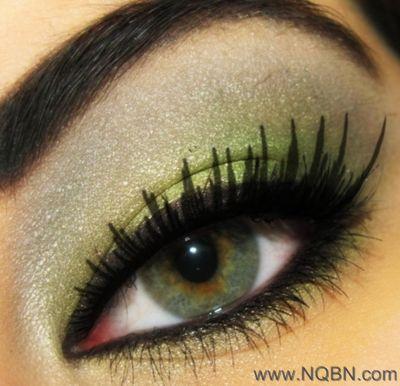 ):.احترفي فن دمج ألوان ظلال العيونمكياج عيون فضي و بنفسجي