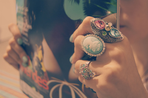 رقّة حضور و فخامة fashion-record-rings-you-fuck-Favim.com-151587_large.jpg