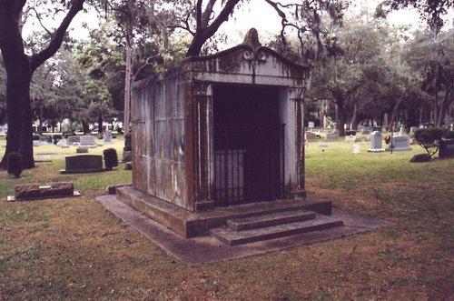 Гробницата Tumblr_krkn7nK10y1qa8hlro1_500_large