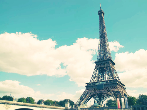 Beautiful-blue-eiffel-tower-paris-sky-favim.com-56874_large