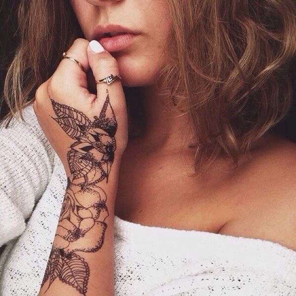 Most Por Tags For This Image Include Tattoo And Flowers