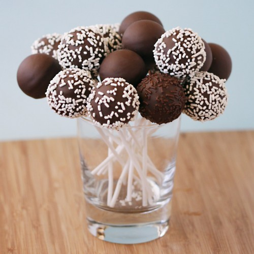 An-easy-way-to-make-cake-pops1-500x500_large