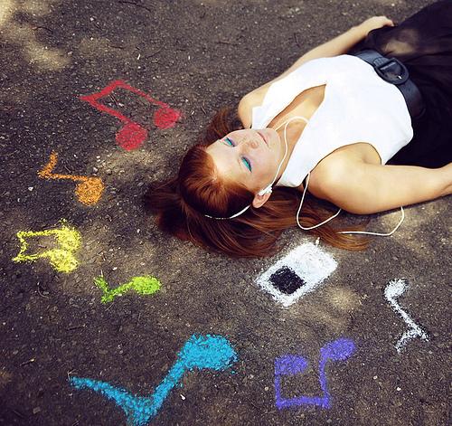 Chalk-colorful-girl-music-favim.com-158770_large
