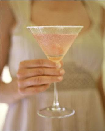 Bubbly-celebration-champagne-cheers-drink-feminine-favim.com-68226_large