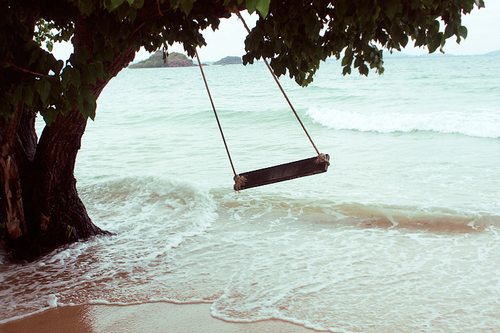 Beautiful-ocean-sea-swing-favim.com-164062_large