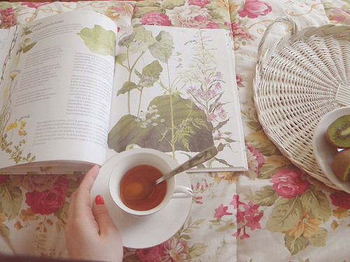 Bed-cute-flowers-tea-favim.com-165934_large