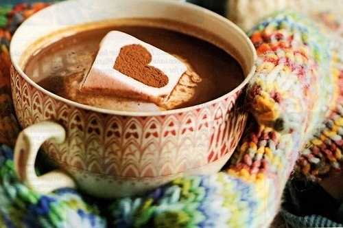 Segurando chocolate quente / Imagens Fofas para Tumblr, We Heart it, etc