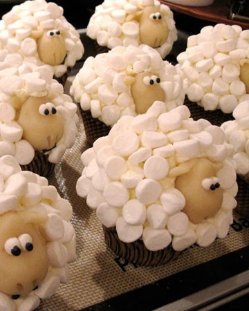 Yumminess / Sheep cupcakes!