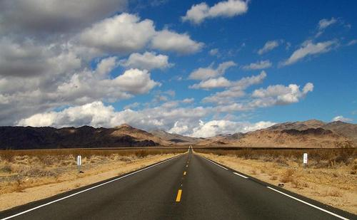 Mojave_desert_road_large