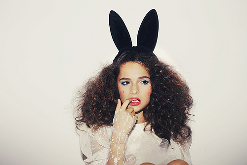 bunny-bunny-ears-curly-cute-girl-Favim.com-162043_large.jpg (500×334)