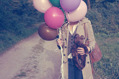 http://data.whicdn.com/images/15607097/balloons-buttons-coat-denim-dirt-road-Favim.com-169239_large.jpg