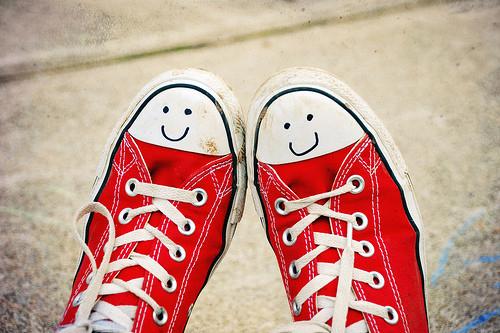 Converse-feliz_large