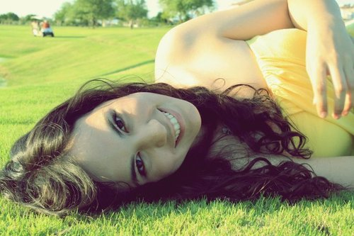Beautiful-girl-green-photography-smile-favim.com-171067_large