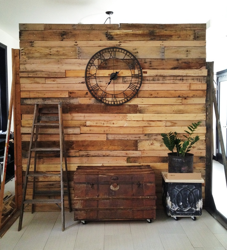 Unusual DIY Pallet Room Divider Ideas With Classic Wall ...