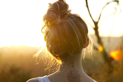 Tutorials: How To Do A Messy Bun! photo 9