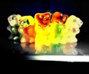 gummy bear love ♥