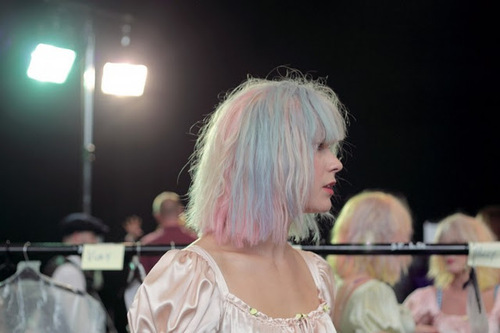 1317850651meadham-backstage-03-700x466_large