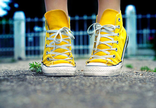 All-star-converse-feet-girl-photography-shoes-favim.com-45824_large_large