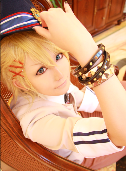 **Cosplays** 63be8d762a5d48e49534285_large