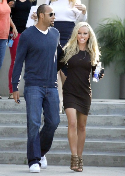 Kendra-wilkinson-hank-baskett-leave-chelsea-lately-studio-430x602_large