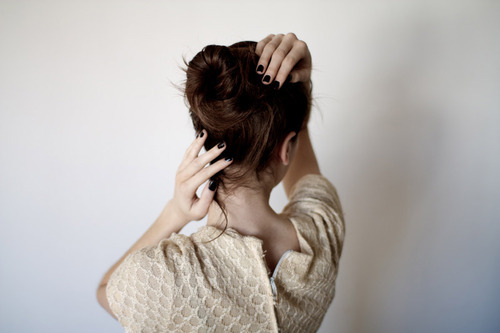 Tutorials: How To Do A Messy Bun! photo 12