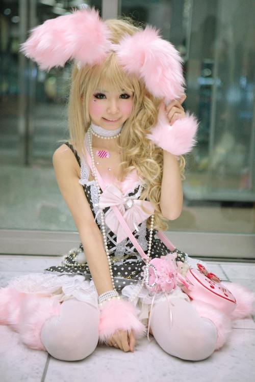 http://data.whicdn.com/images/16378192/pink-bunny-cosplay4_large.jpg